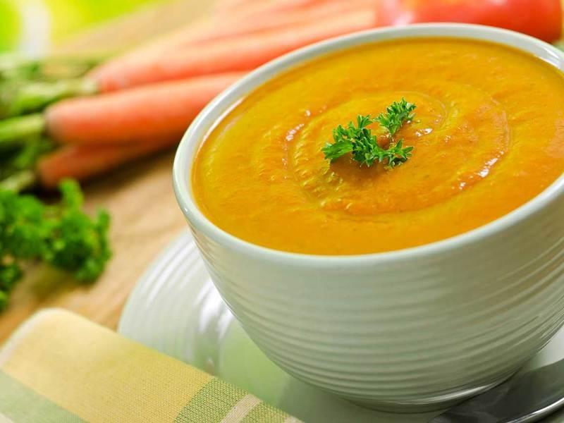 Sladká mrkvová polévka