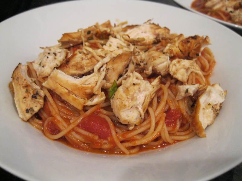 Špagety s kuřecím masem