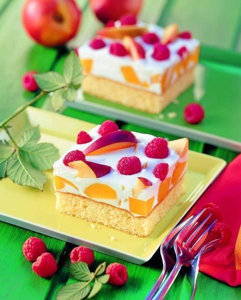 Letní koláč s ovocem