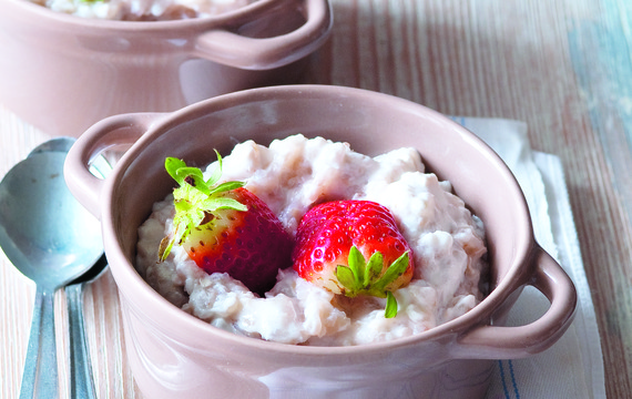 Pohanka s jogurtem a jahodami