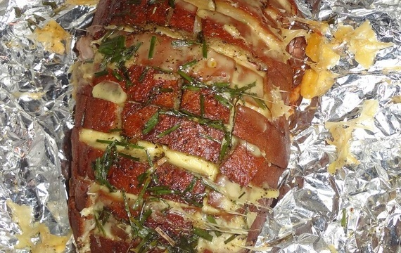 Grilovaný sýrovo-slaninový pecen