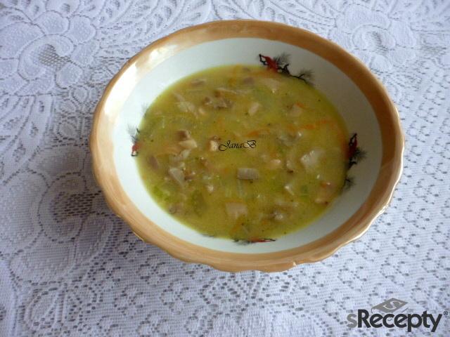 Celerová polévka s hlívou a mrkví