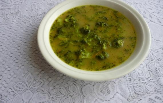 Brokolicová polévka se sýrem