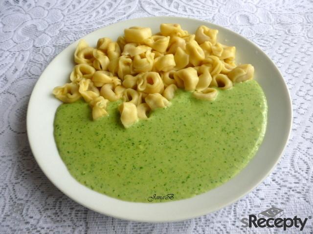 Tortellini se špenátovou omáčkou