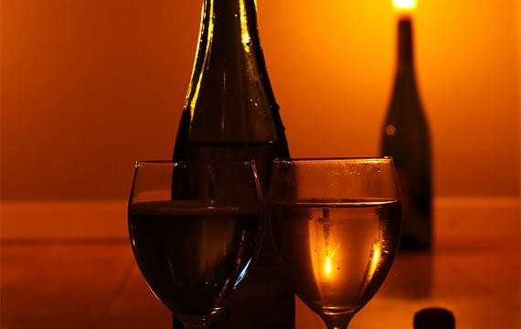Víno jest poezií v láhvi