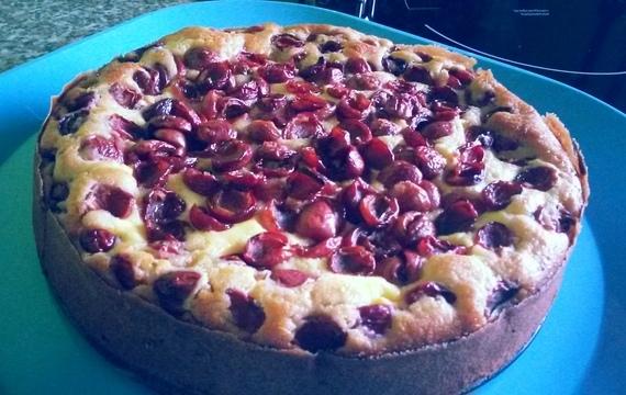 Rychlý ovocný koláč s tvahorem a zakysankou