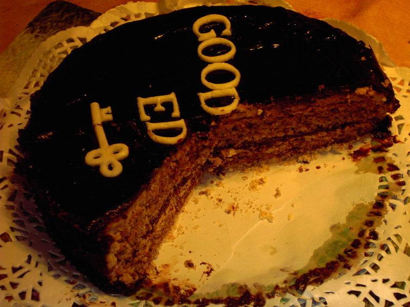 Ledový čokoládový dort s oříšky