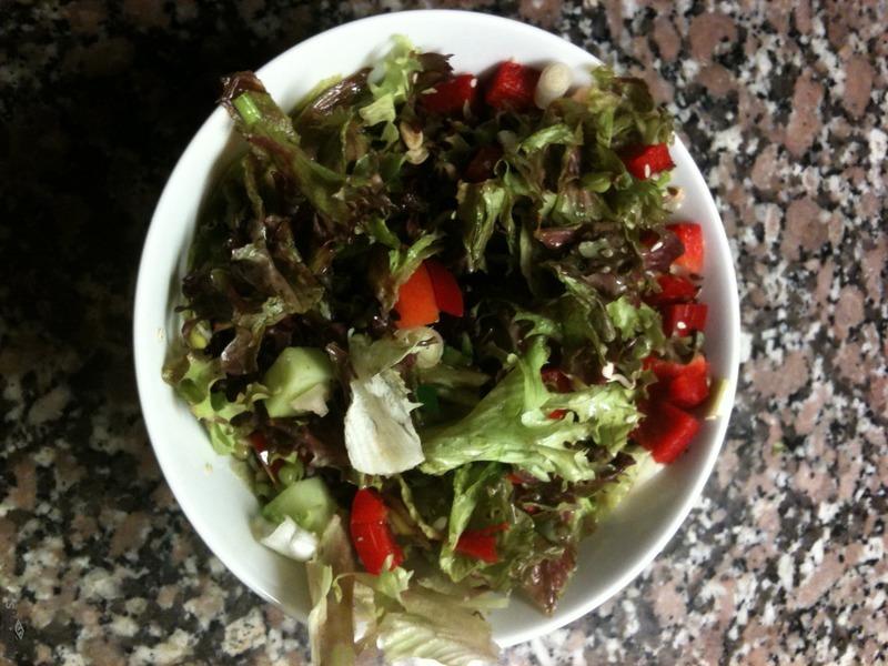 Zeleninový salát s lněným olejem