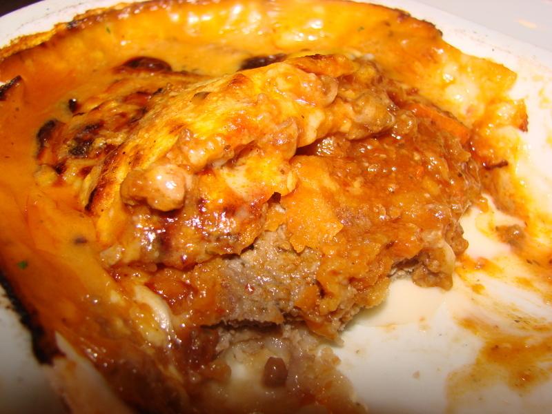 Scaloppina bolognese (zapečené telecí maso s parmazánem)