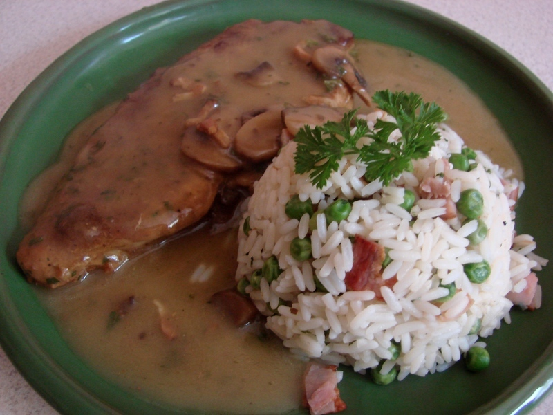 Vepřová kýta se žampióny a šunkovou rýží