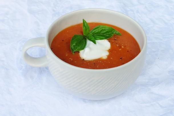Studená rajčatová polévka