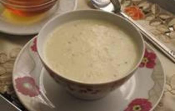 Sladká mléčna polévka