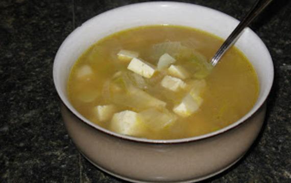 Cibulová polévka s tofu