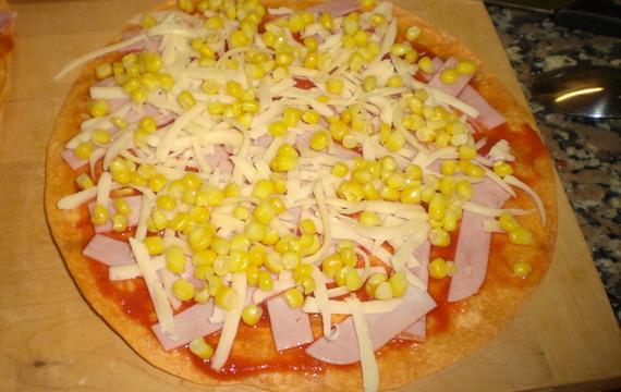 Rajčatové quesadillas se šunkou a kukuřicí