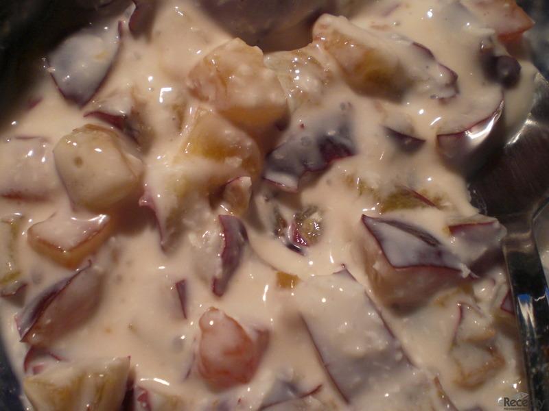 Zasněžený švestkovo-papájový jogurt