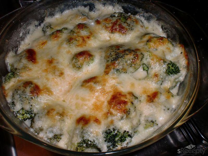 Brokolice zapečená v bešamelu