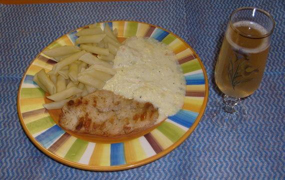 Vepřový či kuřecí řízek v sýrové omáčce
