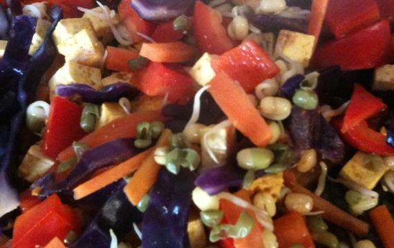 Pečené nudle s barevnou směsí