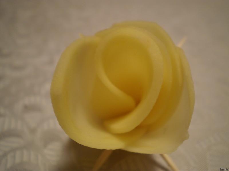 Bramborová růže