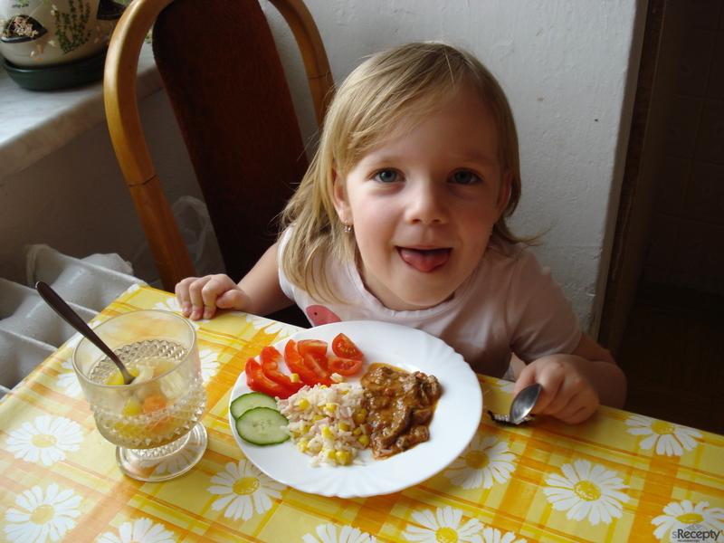 Hovězí nudličky na rajčatech se šunkovou rýži