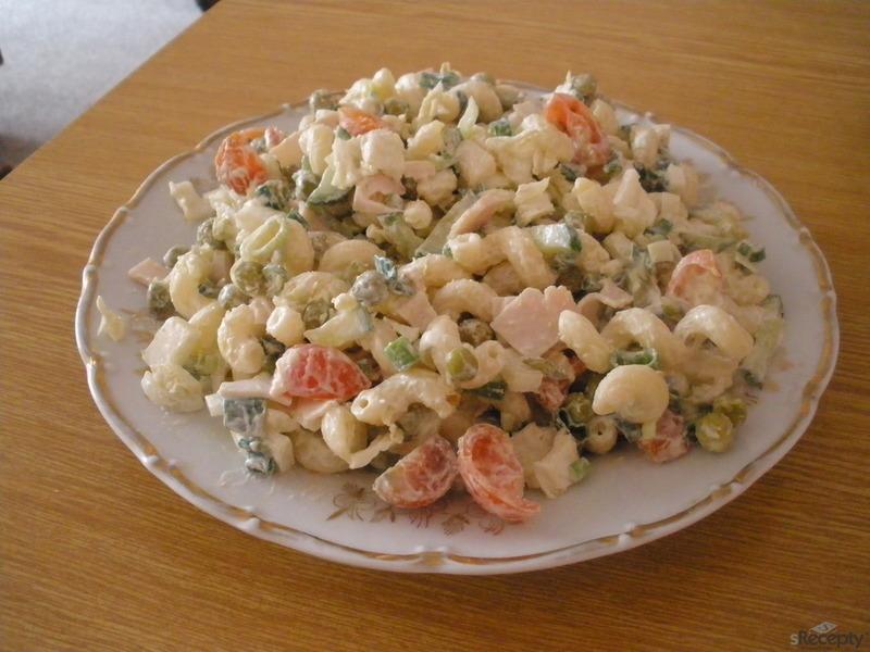 Jednoduchý lehký těstovinový salát