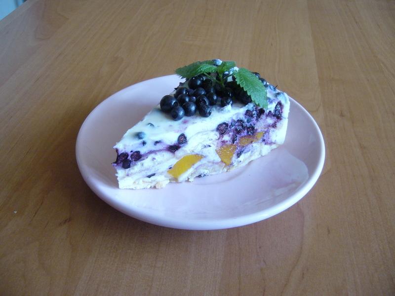 Tvarohový dort BB (broskve, borůvky)