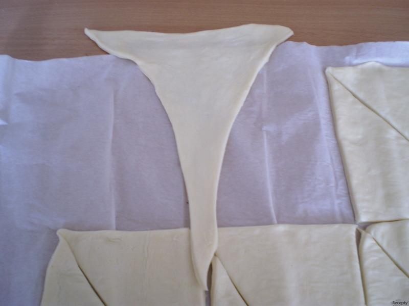 Křehké meruňkové rohlíčky (croisanty)