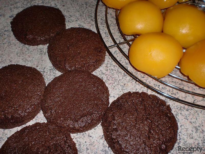 Broskve v čokoládě