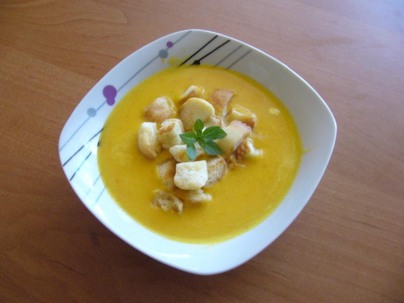 Dýňová polévka s krutony