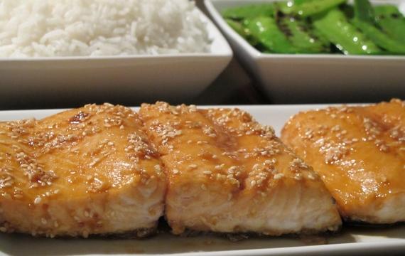Rybí filé v medu a sezamu