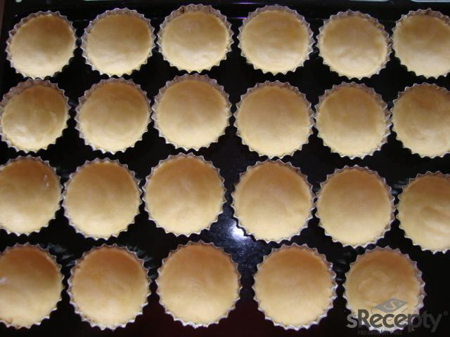 Jahodovo - karamelové košíčky