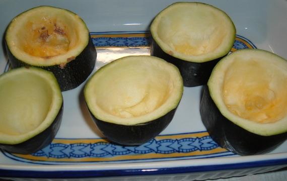Cuketové kroužky plněné zeleninou a masem