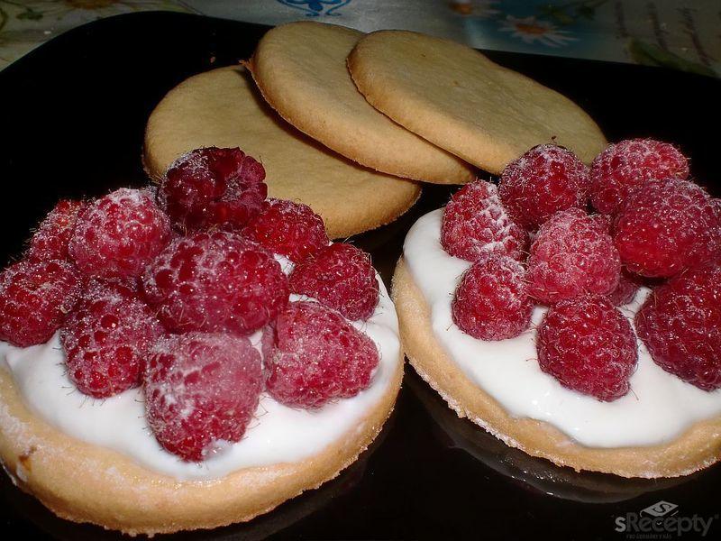 Křehké sušenky s malinami