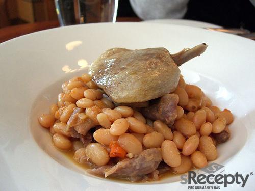 Francouzské fazole se skopovým (Cassoulet a la Toulouse)