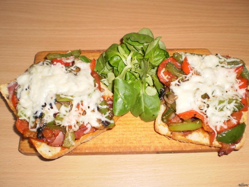 Falešná pizza alias zapečená ciabatta