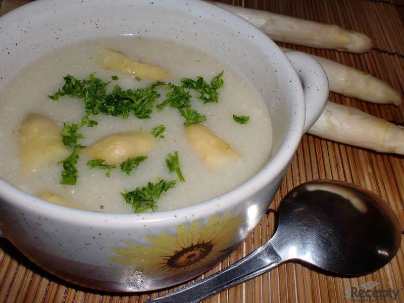 Výborná chřestová polévka