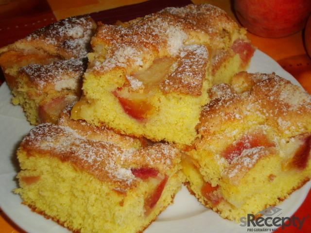 Broskvový koláč s drobenkou