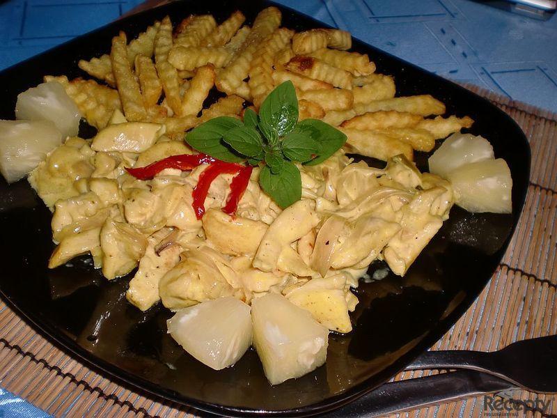 Kuřecí kari s ananasem
