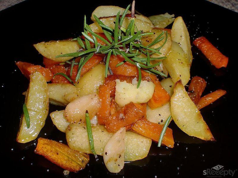 Pečené brambory s mrkví