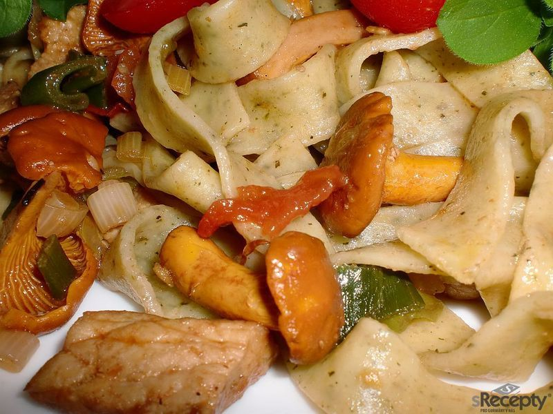 Těstoviny s liškovou směsí
