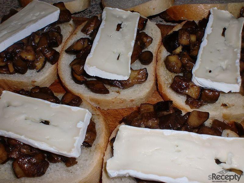 Houbové smaženky s hermelínem