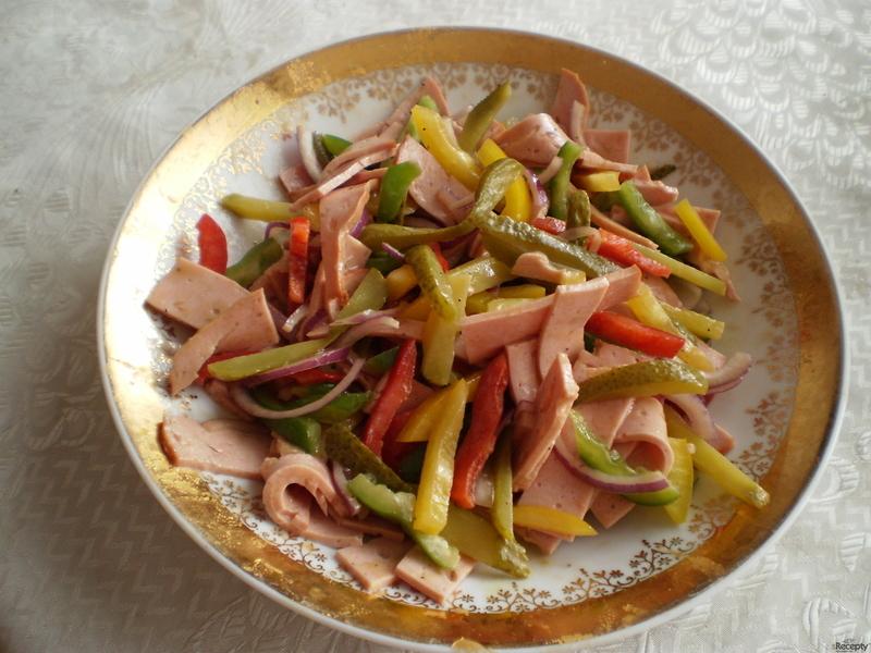 Salát ze sekané