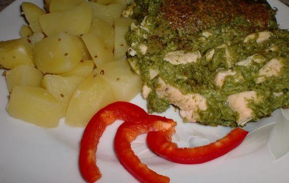 Špenát zapečený se sýrem a kuřecím masem