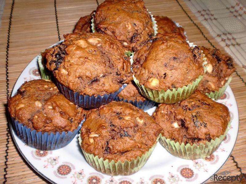 Perníkové muffinky se švestkami a mandlemi