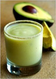 Sladký avokádový koktejl