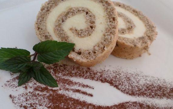 Ořechová roláda z bílků