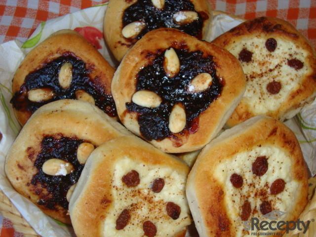 Povidlové koláčky s mandlemi
