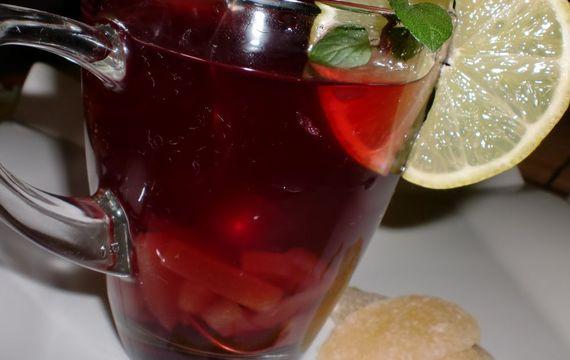 Šípkový čaj s ananasem a limetkou