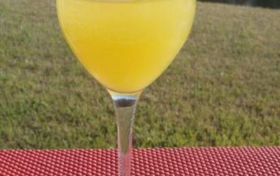Ananasové víno
