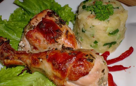 Kuřátko s česnekem a mateřídouškou